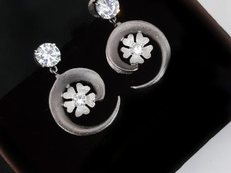 Flowered Shell Earrings