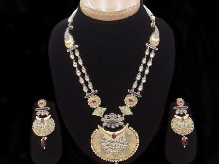 Quarter-Cut Gold Kundan Necklace Set