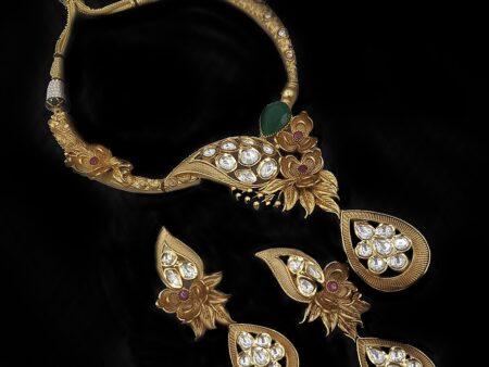 Leaf Shaped Golden Kundan Necklace
