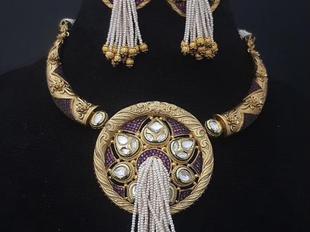 Hanging Pearls Kundan Necklace Set